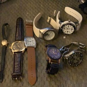 Men's and woman's s watches bought in bulk